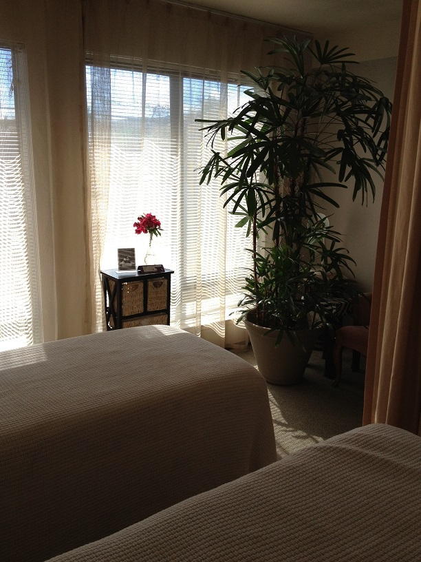 A room massage at Voilà La Familia